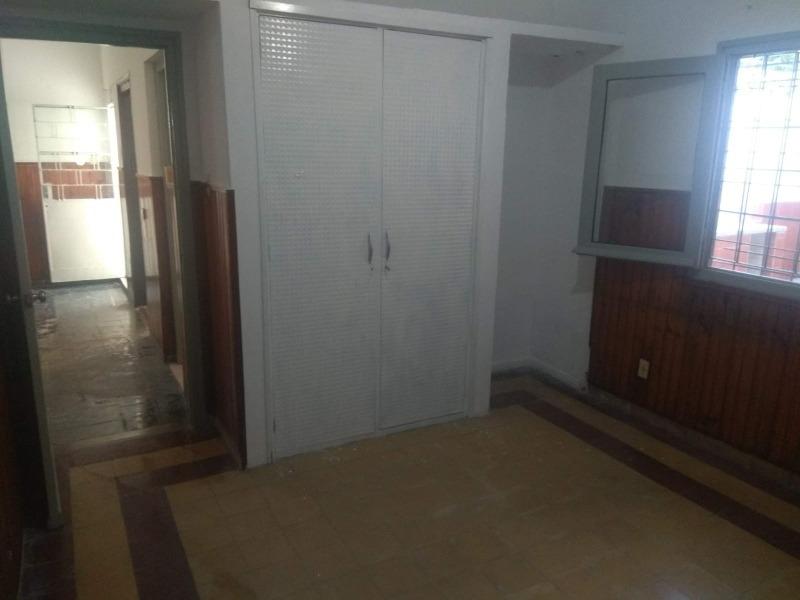 alquilo apartamento con fondo con parrillero