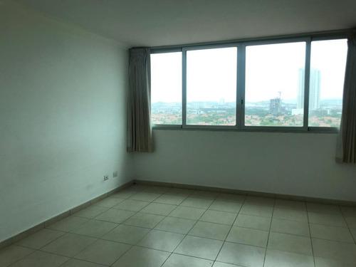 alquilo apartamento en costa del este    mec19-4978