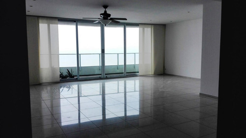 alquilo apartamento en costa del este    mec19-6417