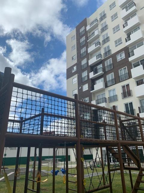 alquilo apartamento en zona 7 amueblado  de tres habitacione