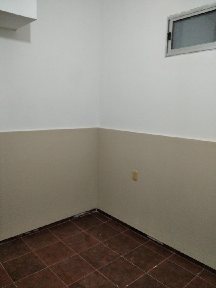 alquilo apartamento interior en cordón norte.