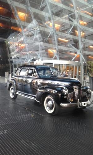 alquilo auto antiguo para casamientos eventos y filmaciones.
