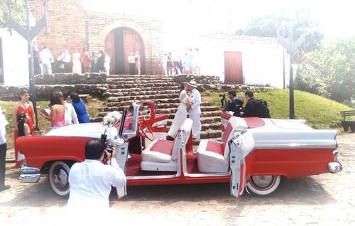 alquilo auto clásico y antiguo para eventos bodas matrimonio