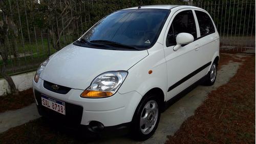 alquilo autos economicos tel: 093 616 319. fiat way. spark.