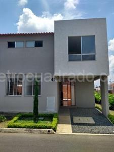 alquilo bonita casa en jamundí ciudad country