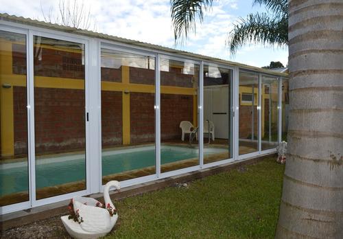 alquilo bungalows con pileta climatizada en villa elisa