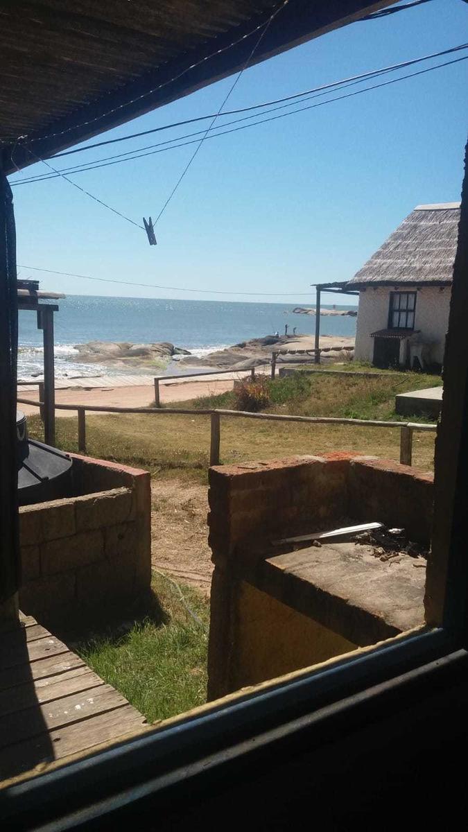 alquilo cabaña  el pescador frente playa rivero -4/personas