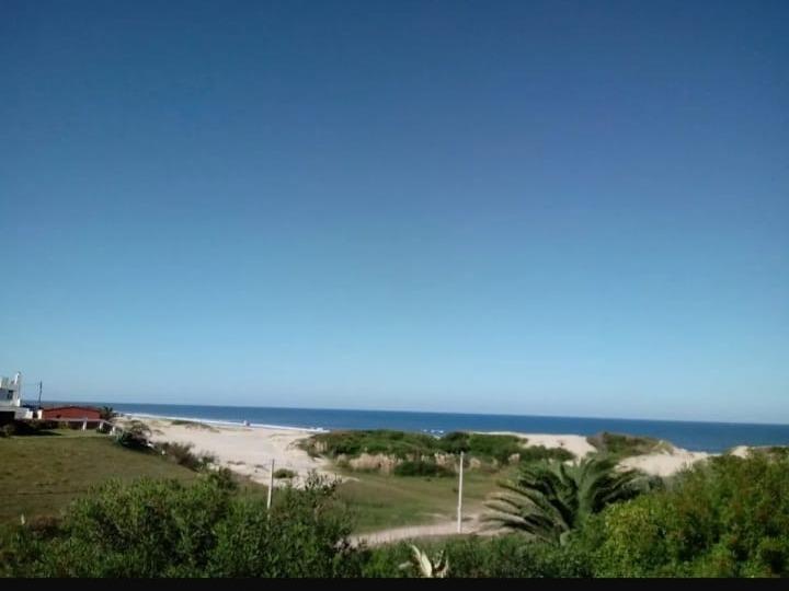 alquilo cabaña frente al mar  barra do chui