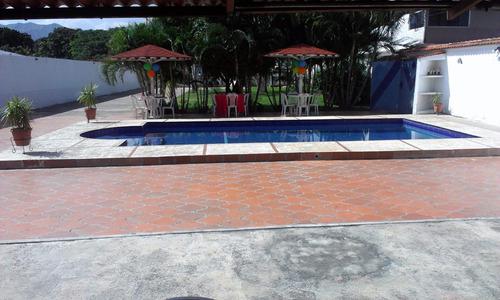 alquilo caney con piscina para fiestas en san diego