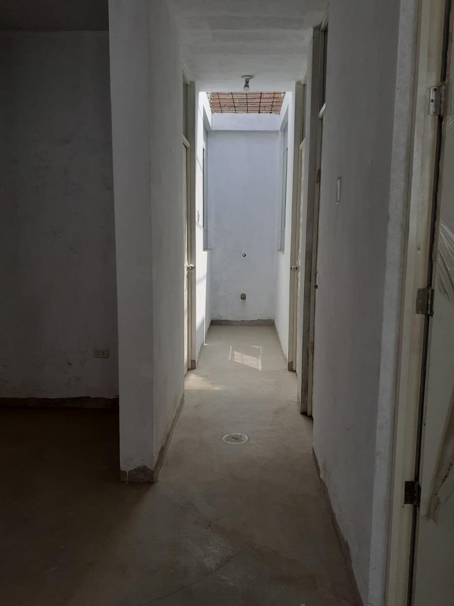 alquilo casa 1er piso con cochera  carabayllo