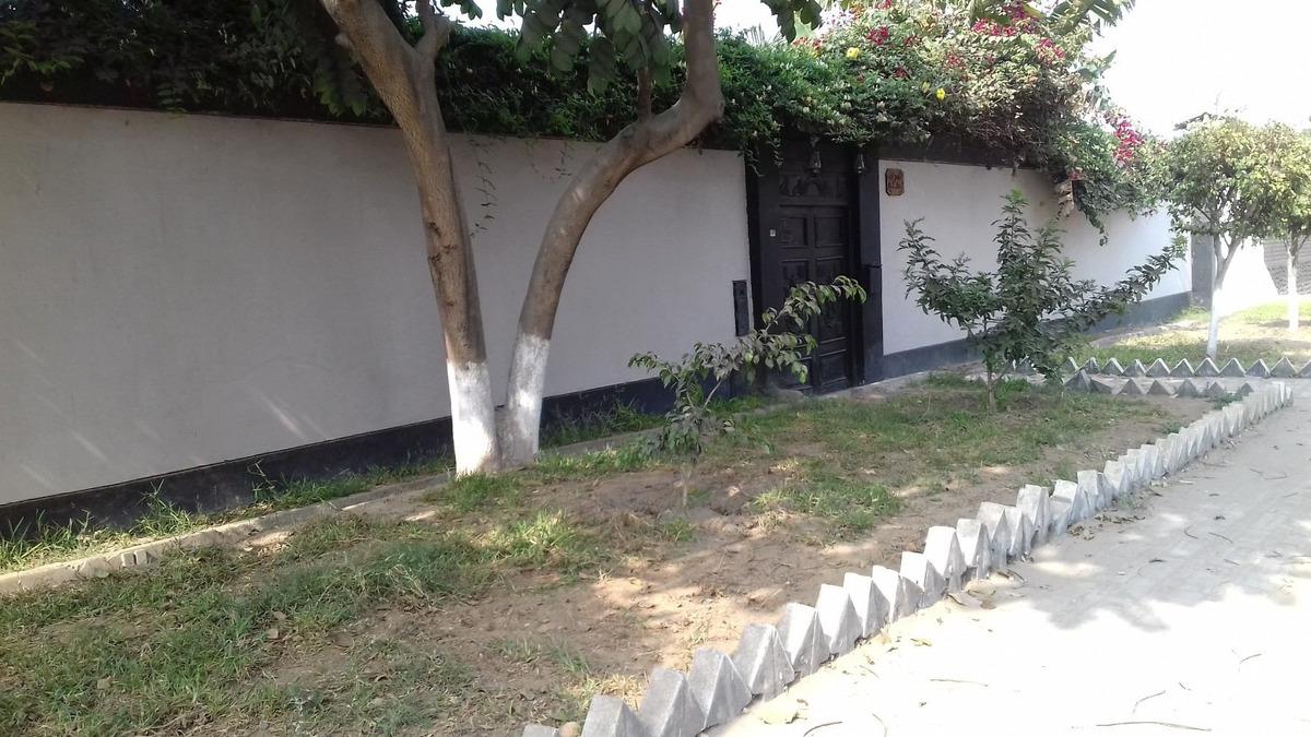 alquilo casa 2.550 mts. en calle principal de huachipa,