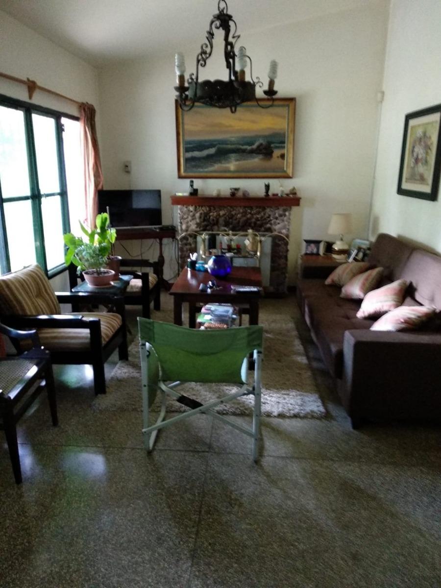 alquilo casa a 2 cuadras de la playa jardin fondo parrillero