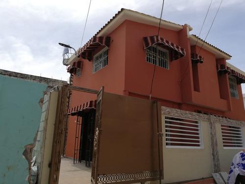 alquilo  casa  en  alma  rosa  ii 2do