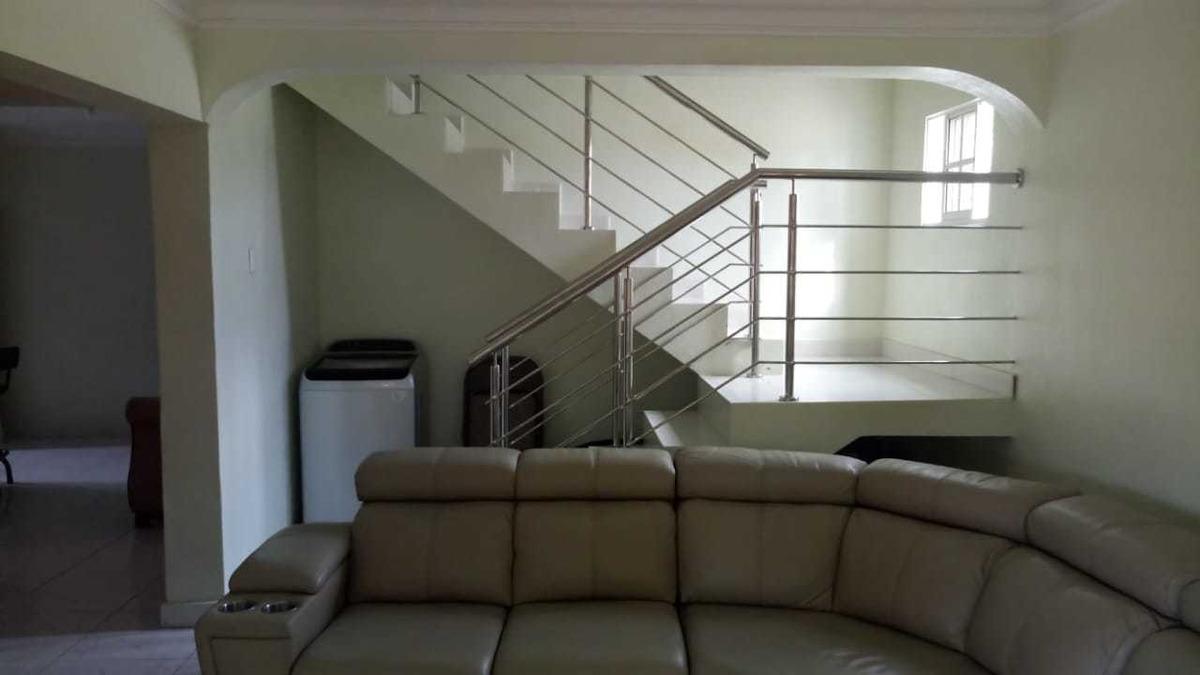 alquilo casa en la hispanoamericana primer nivel
