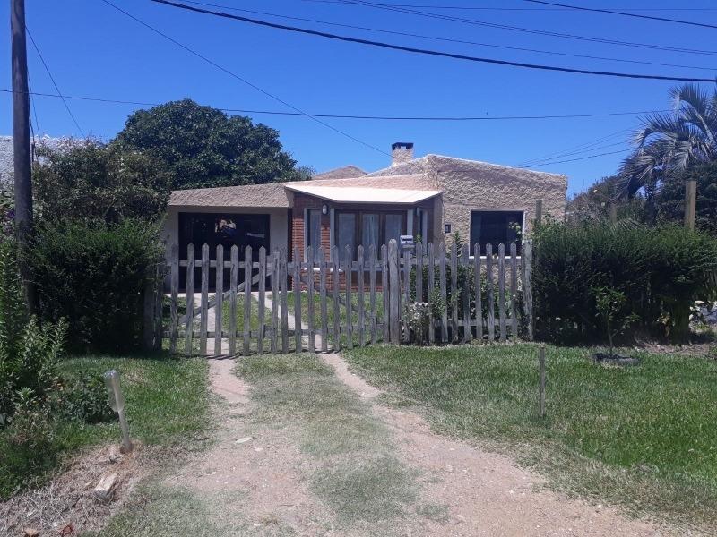 alquilo casa en lapaloma rocha calle guavillu y yaneo la agu