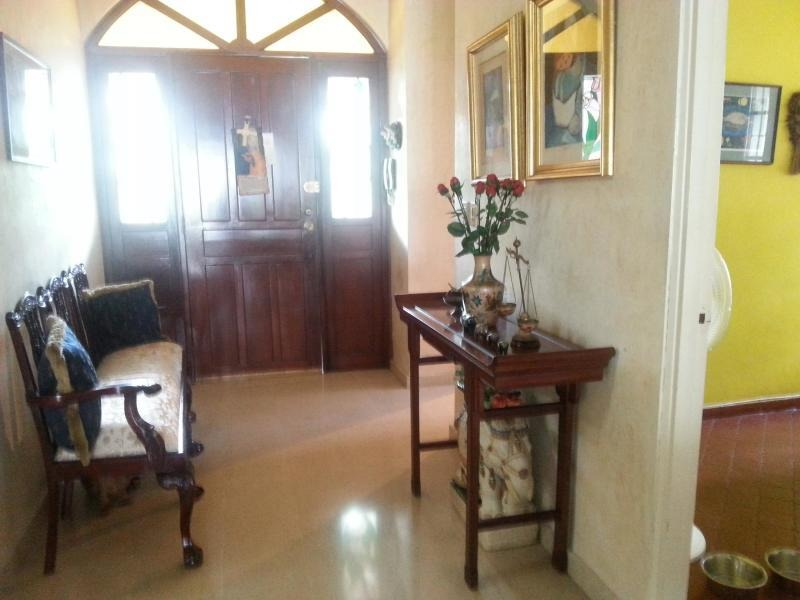 alquilo casa espaciosa en betania 19-5974**gg**
