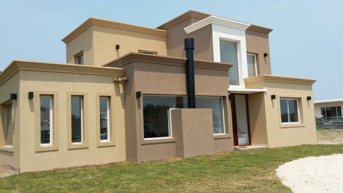 alquilo casa golf 2 lote 581- costa esmeralda