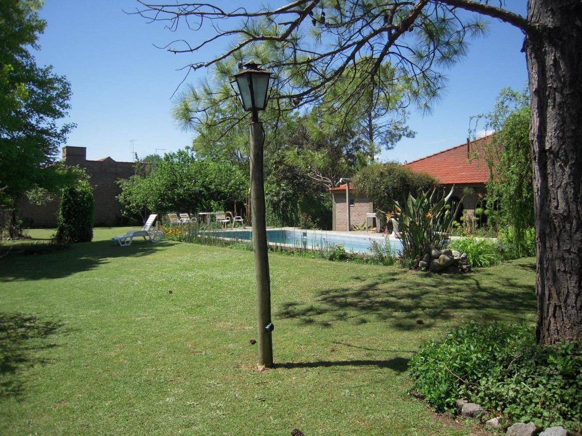 alquilo casa quinta a 151 mt del golf club estudiantes city