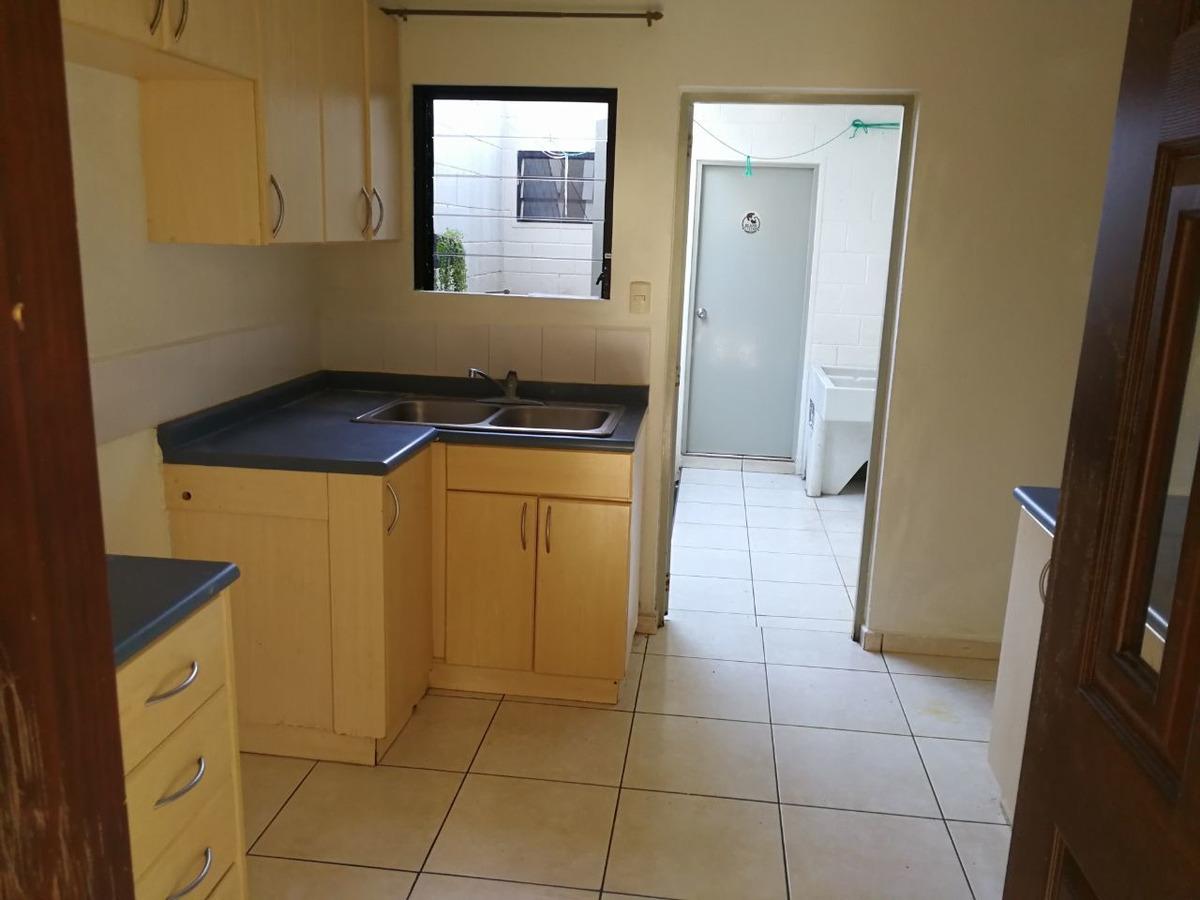 alquilo casa residencial miramar, privada, 2 plantas