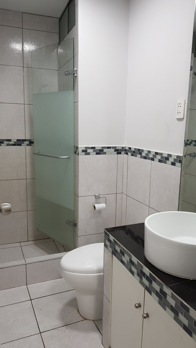 alquilo departamento 2 dormitorios 1  baño 4 piso