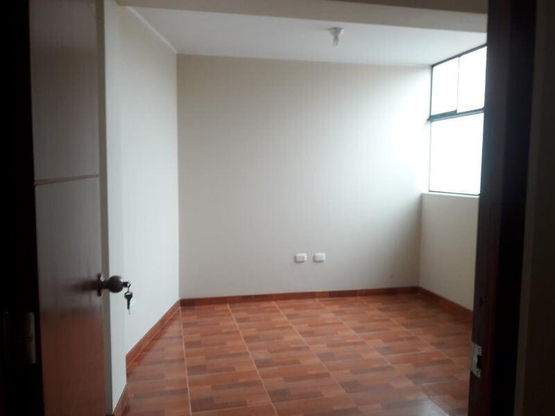 alquilo departamento 4to piso urb. fiori s.m,.p.