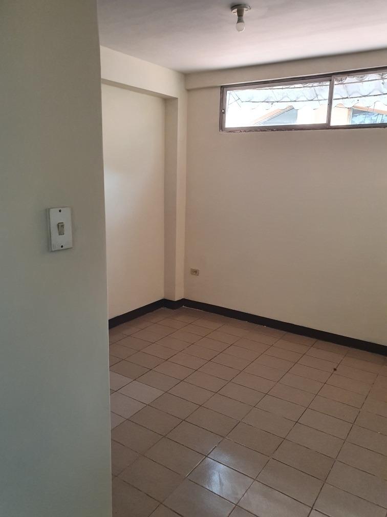 alquilo departamento de 3 habitaciones