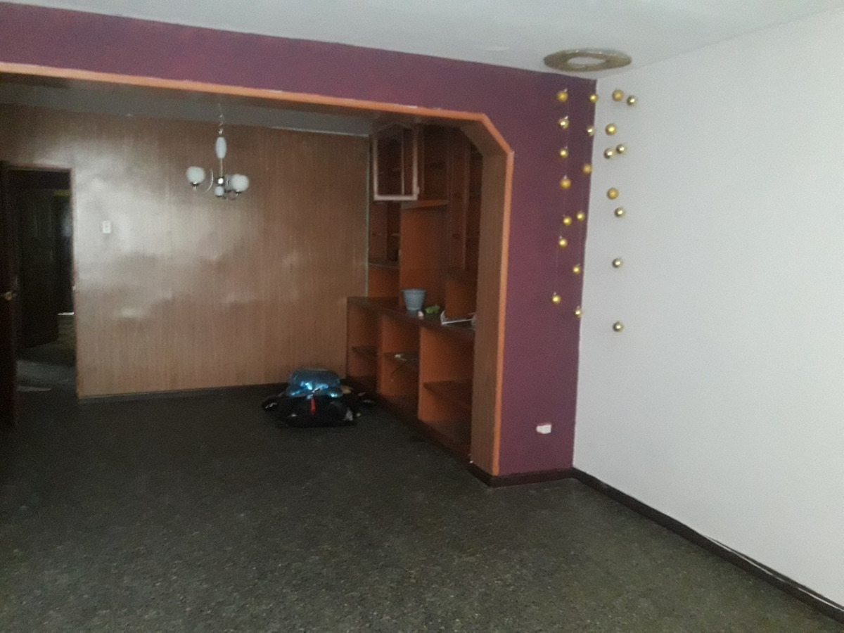 alquilo departamento primer piso