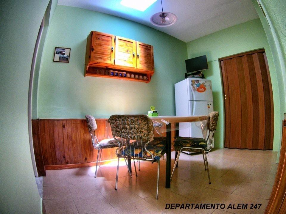 alquilo departamento y casa 2 dormitorios capilla del monte