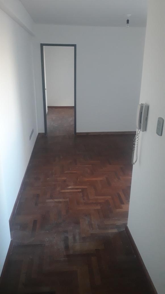 alquilo depto 1 dormitorio ( b° centro )