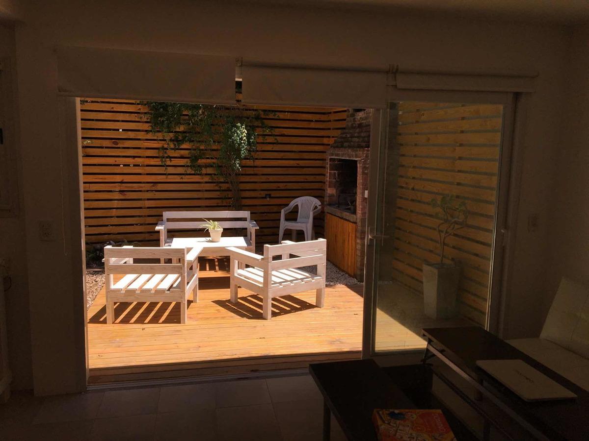 alquilo duplex para 3/4 personas patio, cochera 200 m centro