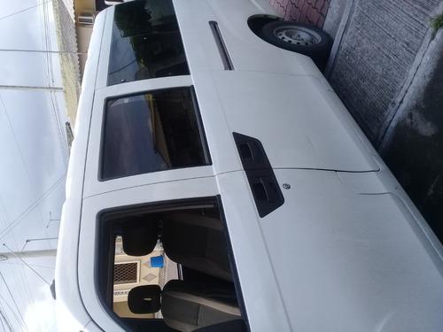 alquilo furgoneta con chofer para viajes por todo el ecuador