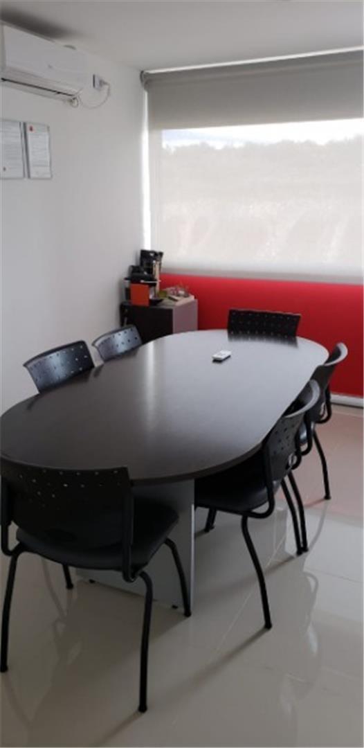 alquilo galpón 500 m2 oficina 300 m2 1/2 hectarea centenario