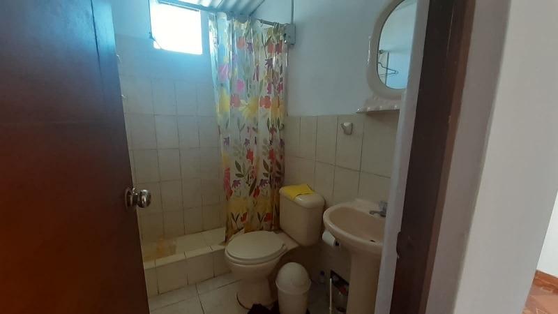 alquilo habitación con baño propio