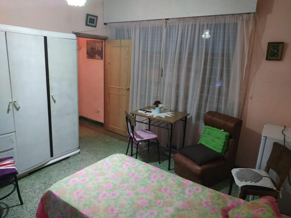 alquilo habitación con excelentes comodidades en zona buceo.