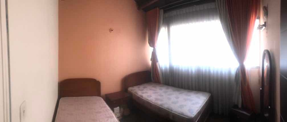 alquilo habitación para mujer