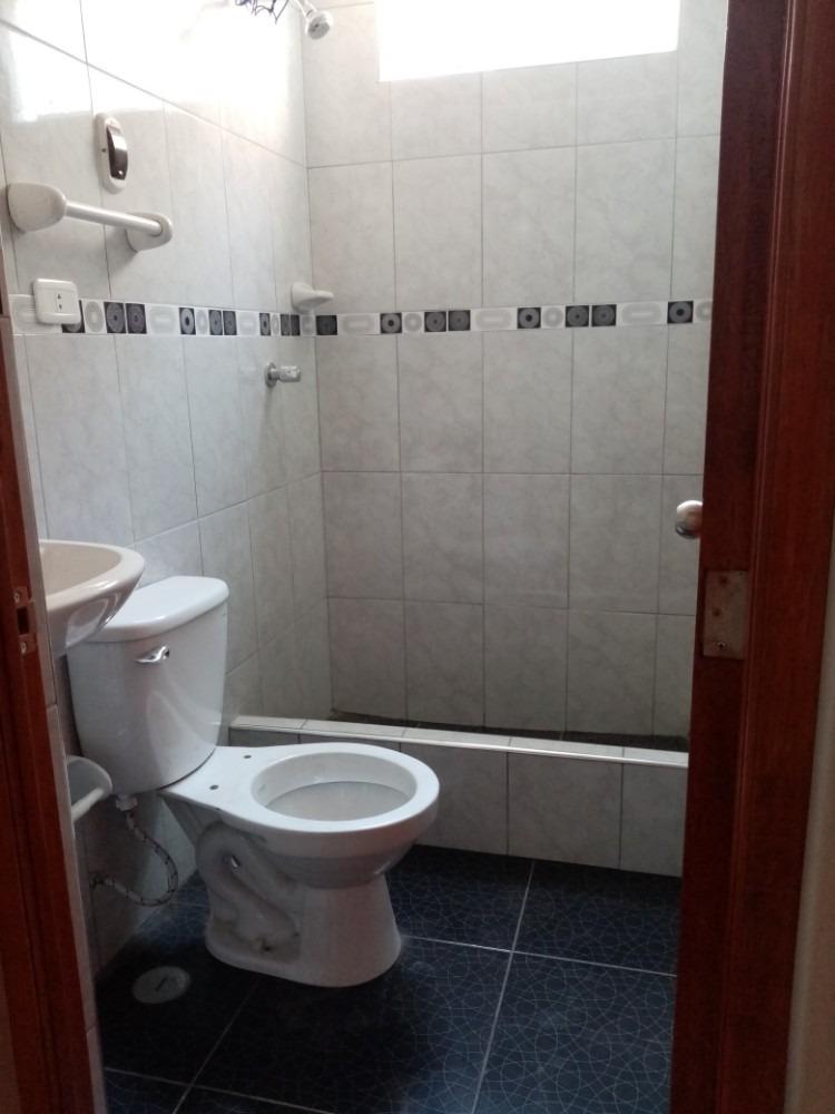 alquilo habitaciones c/baño en sjl