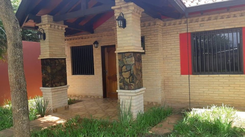alquilo hermosa casa en luque  cod 2627