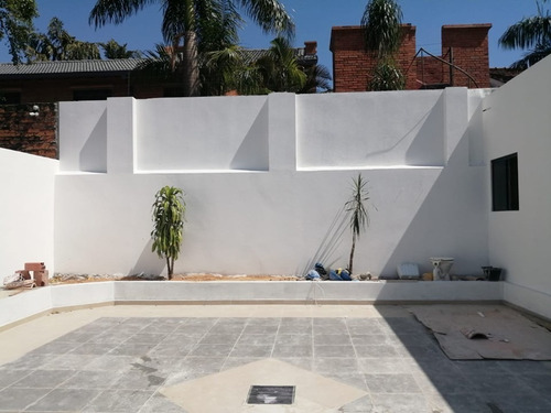 alquilo hermosa residencia en asuncion barrio mburicao