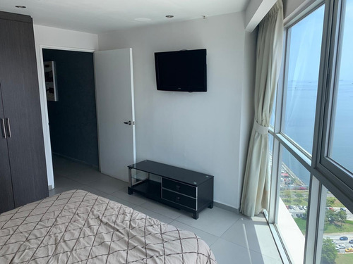 alquilo hermoso apartamento amoblado en av.balboa