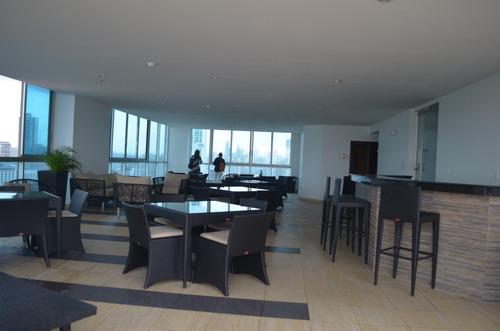 alquilo hermoso apartamento en avenida balboa