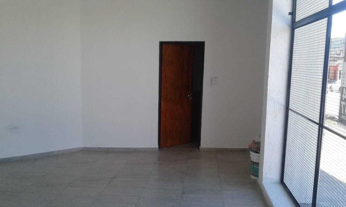 alquilo local 50 m2 aprox - la calera - b° stoecklin