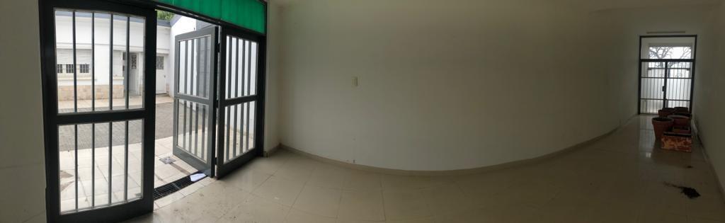 alquilo - local amplio (oficinas) b° centro
