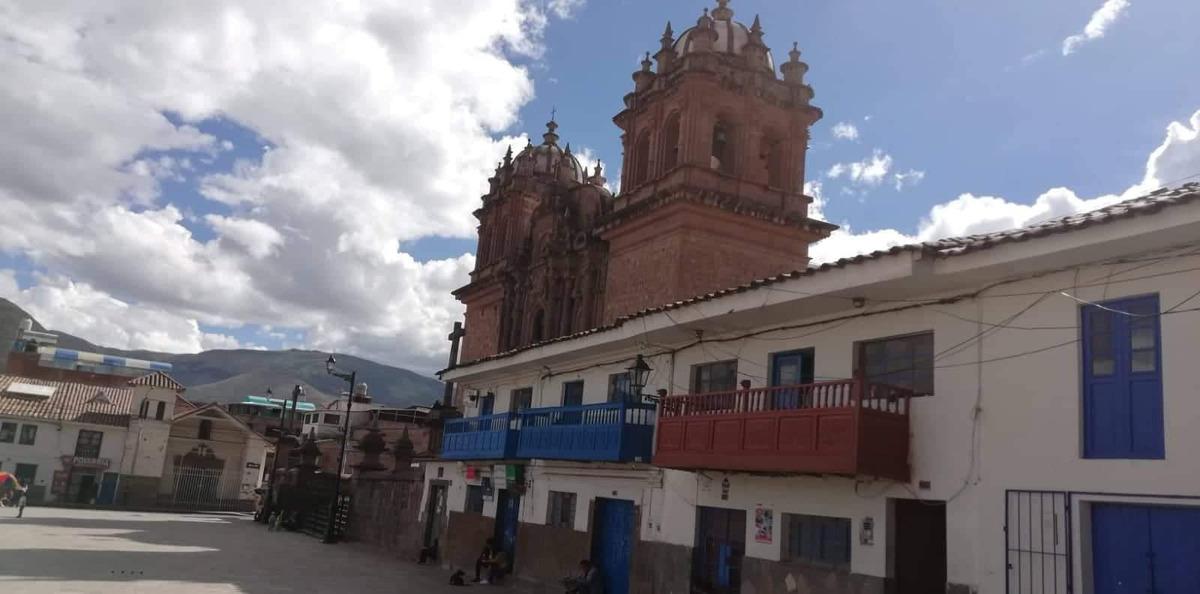 alquilo local plaza san sebastián-cusco