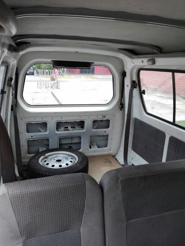 alquilo minivan para carga o paseo familiar