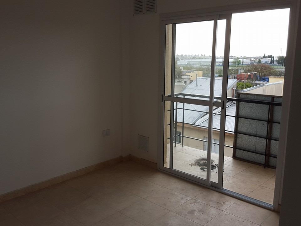 alquilo monoambiente hermoso  en de caseros!! edicio con ascensor f: 6217