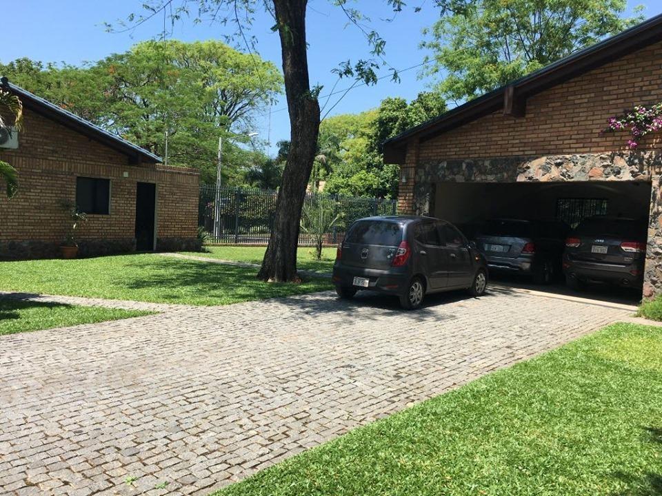 alquilo o vendo casa en surubi´i barrio cerrado. cod 2564