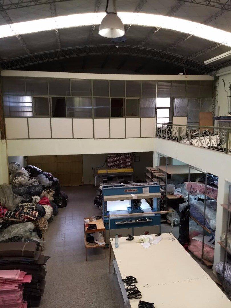 alquilo o vendo galpon en fisherton exelente ubicacion - 330 m2