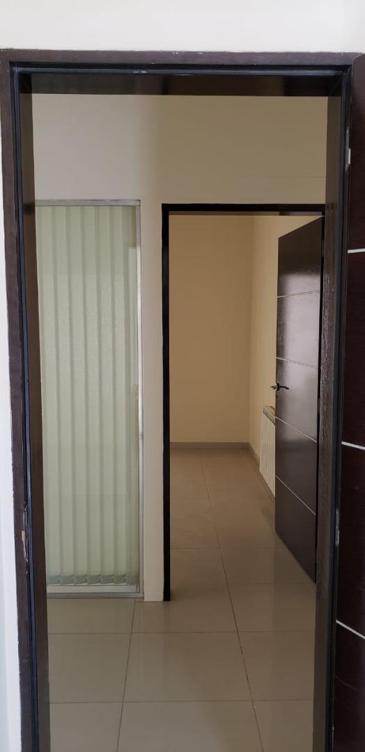 alquilo oficina 220 m2 predio galpón 700 m2 -ruta 151 km 6,5
