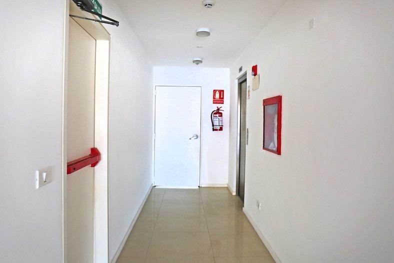 alquilo oficina  554 m2