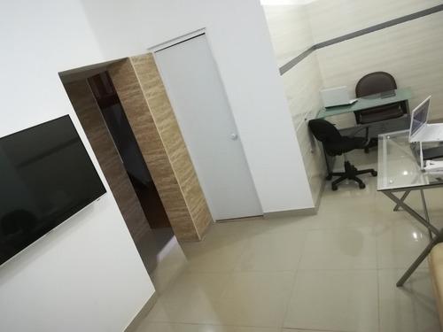 alquilo oficina compartida rambla san borja 1er piso